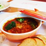 ピッコロ - トリッパのトマト煮