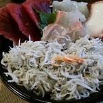 海花 - 海鮮丼1400円!