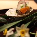梶川 - 料理写真:三重桃取産牡蠣とキンカン