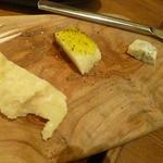 34476766 - チーズ3種盛り  2015.1月
