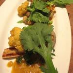 あえん - 桜山豚といろいろな野菜をシンプルに網焼きした逸品。あえんオリジナル麦味噌ソースで。