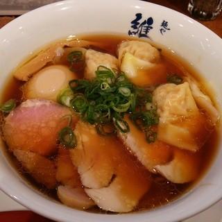 維新 - 料理写真:特醤油らぁ麺 950円