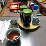 ブルーバード - 卓上に常備された調味料類