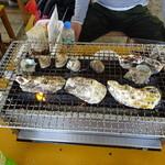 ひろちゃんカキ - 牡蠣焼き。