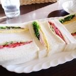 ブレイク - ミックスサンドイッチ