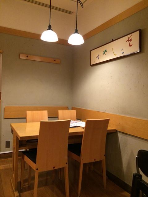 京豆冨不二乃 - 夜景の見えないお席もあります。