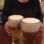 サカホン酒場 - ハッピーアワー バンザ───(∩゚∀゚∩)───イ!!!! 最初の一杯はなななんと¥100 アサヒスパドラの生中にしました( ´ ▽ ` )ノ