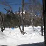 蕎麦 ふじおか - 店内から飯綱高原スキー場を望む