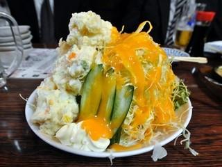 赤札屋 弁慶 - 超ボリュームのポテトサラダ¥350