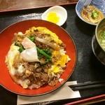 田舎料理 俵山 - 馬肉丼