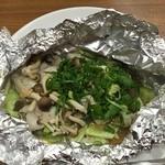 八丁堀 - 牡蠣としめじの ホイルバター焼