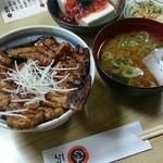 34501071 - 豚丼セット980円+税
