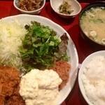 34506388 - 白身魚フライ定食一式  ¥750(税抜)