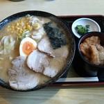 やま正食堂 - 特味噌ラーメンセット(2014.12)