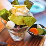 酒肴蕎麦 日和り - 抹茶パフェ(702円)