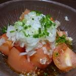 北の味紀行と地酒 北海道 - トマトサラダ 580円