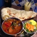 インドカレー&ナン ムンバイ - 野菜カレー