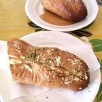レストラン ブル - ガーリックトーストとハニートースト