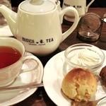 クリスティー - スコーンと紅茶のセット800円