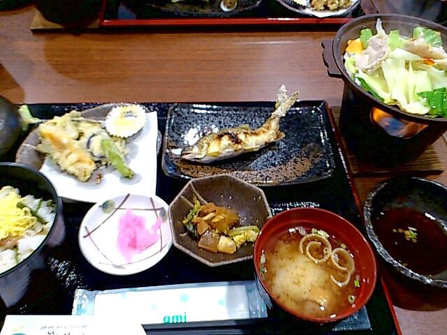 レストラン熊野川