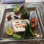 34520958 - 前菜:糸よりと帆立貝のテリーヌ グリーンマスタード添え