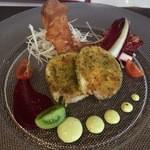 34520959 - 前菜:若鶏のバロティーヌ 香草パン粉焼き 九条葱のソースで