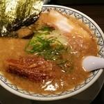 34522815 - 15.01.25 角煮ばんから(1000円) スープの表面を【背脂】がびっしり覆う