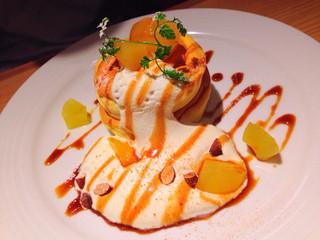 グラウンド アッシュ - アップルキャラメルパンケーキ