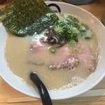 博多拉麺 KAZU - 白とんこつ (650円)