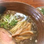 34534932 - ランチ・醤油ラーメン+ミニチャーシュー丼セット(700円+消費税 56円=756円)
