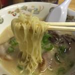 九州ラーメン八起 - このスープ好みかも♫ラーメンは出てくるまでに少々お時間がかかります♫