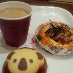 3454424 - コーヒーとパン♪