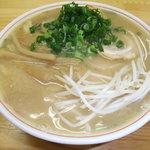 中華そば三丁目 - チャーシュー麺です。このチャーシューがとてもウマ~です☆