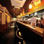 Irish pub Booties・・・ - 二人だけの世界で飲むにはピッタリなキッチンカウンター