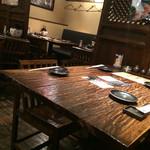 九州 熱中屋 - テーブル席