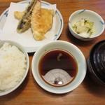 34543432 - 櫻定食 940円(税込)