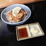 味見鶏まるめん - 背脂醤油ラーメンの唐揚げ定食1030円のから揚げ