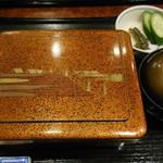 日本橋 伊勢定 - うな重(梅)