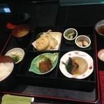 季節料理池宮 - 翔喜弁当