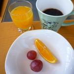 34552672 - やはりオレンジジュース飲まなくちゃ♪