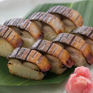 鰹に次ぐ人気の一品!!焼きサバ寿司
