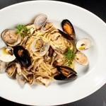 牡蠣と地中海料理 ALEGRIA - 3種貝のボンゴレビアンコ レモン塩風味 リングイーネ