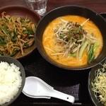 蜀味三国 - 青椒肉絲定食のスープ変更坦々麺セット