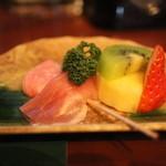 ボンソワール - 料理写真:お通しのフルーツ