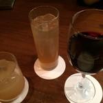 cicoria - あらごし桃酒、梅酒ソーダ割り、ワイン