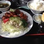 龍園 - ランチの唐揚げ定食