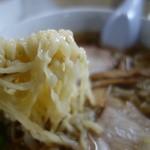 日新町 ハトヤ食堂 本店 - 麺はハトヤ独特の平打ち縮れ麺