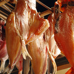 今池炭酒家 - 自家製干物 毎日新鮮な魚をお店で干してます。