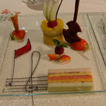 Restaurant Régis & Jacques Marcon - 五線紙のデザート