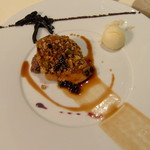 Restaurant Régis & Jacques Marcon - フォアグラです ソースの塗り方がマルコンらしいずら